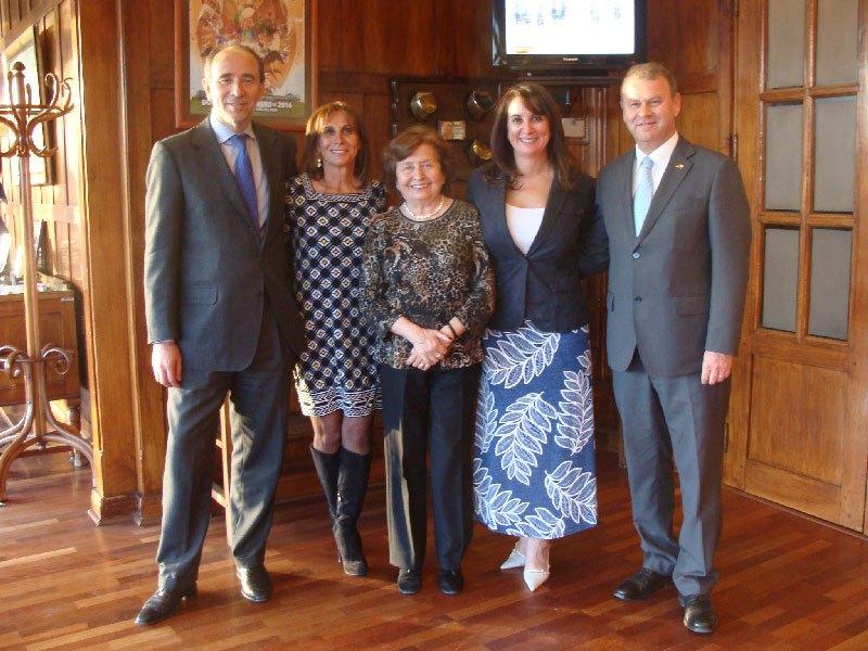 Francisco Murillo, Annemarie Kohler, Rosa Minetti, Rosamaría Kohler, Jan Karlsruher Cónsul de Alemania.